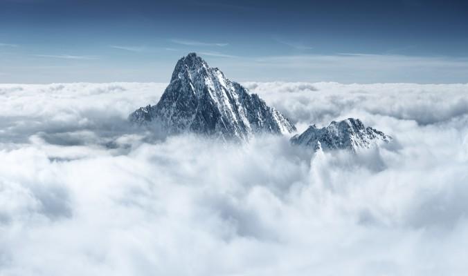Duomenų bazės – į kieno debesis?