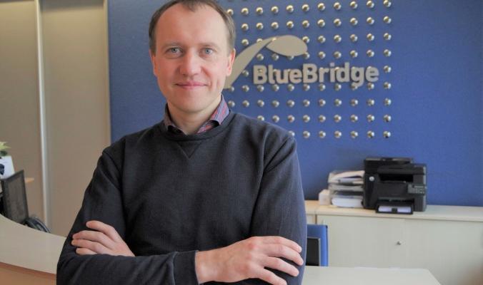 Povilas Kaminskas, Blue Bridge