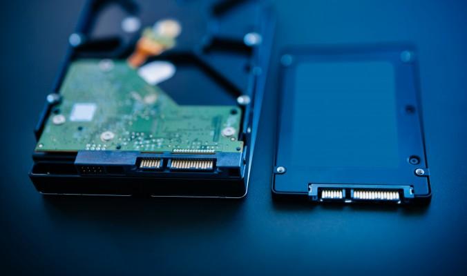 SSD ir HDD