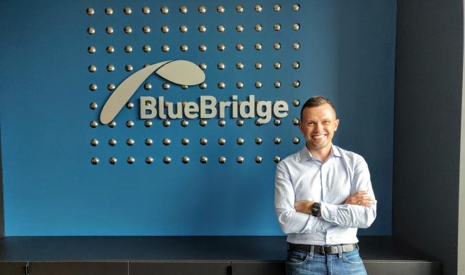 Algirdas Lunys, Blue Bridge